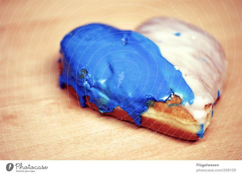 Geteilte Herzen Lebensmittel Ernährung süß Frühstück Süßwaren lecker Kuchen Picknick Zucker Backwaren Teigwaren Zuckerguß Kaffeetrinken Pfannkuchen Blätterteig