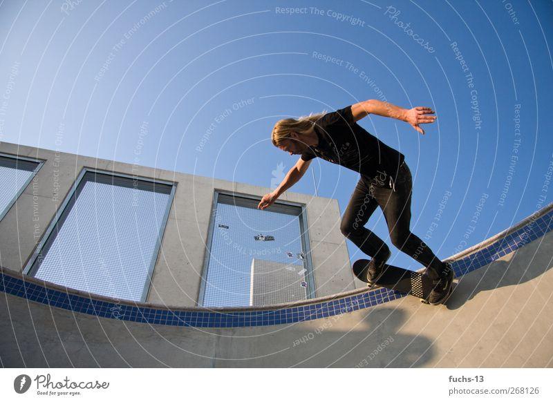 Skater Freizeit & Hobby Skaten Sport Funsport Skateboarding Skateplatz Halfpipe maskulin 1 Mensch fahren fliegen springen sportlich trendy Freude Freiheit
