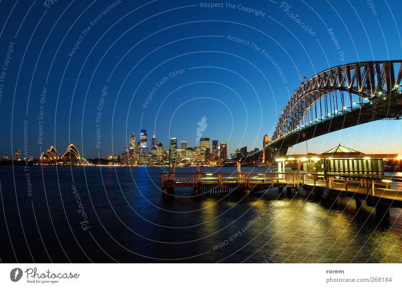 Stadt Ferien & Urlaub & Reisen Meer Haus Tourismus Brücke Hafen Skyline Anlegestelle Abenddämmerung Australien Entertainment Ikon Sydney Circular Quay