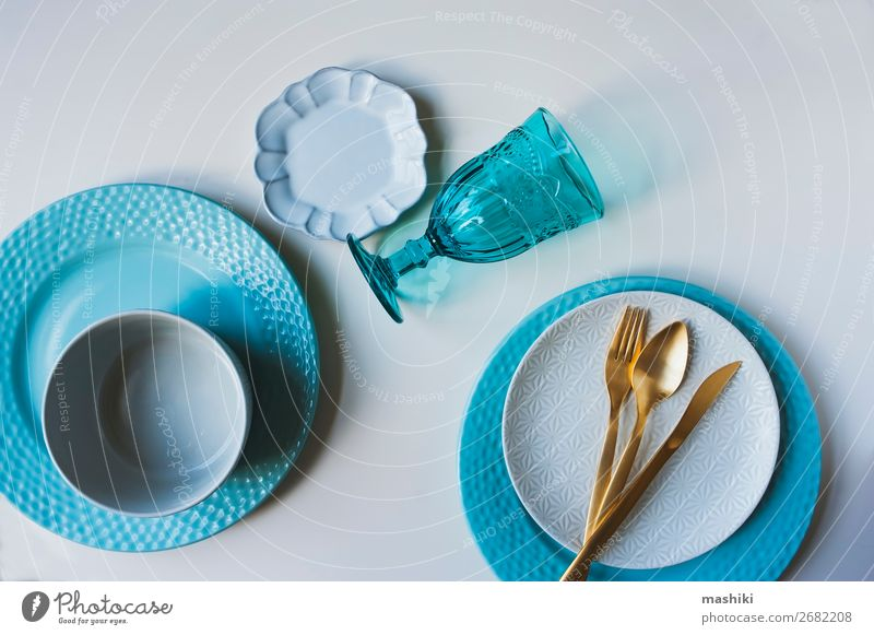 Geschirr Winter-Set in Blau- und Weißtönen Abendessen Teller Besteck Gabel Dekoration & Verzierung Tisch Restaurant Menschengruppe außergewöhnlich Sauberkeit