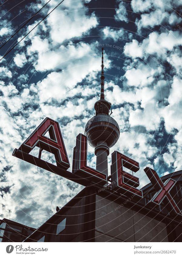 Der Himmer über Ost-Berlin Ferien & Urlaub & Reisen Tourismus Sightseeing Städtereise Sonne Telekommunikation Architektur Himmel Wolken Sonnenlicht Sommer