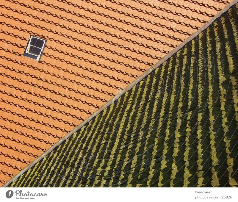 alt - neu - diagonal Fenster Architektur verrückt Dach diagonal Gegenteil entgegengesetzt Dachfenster