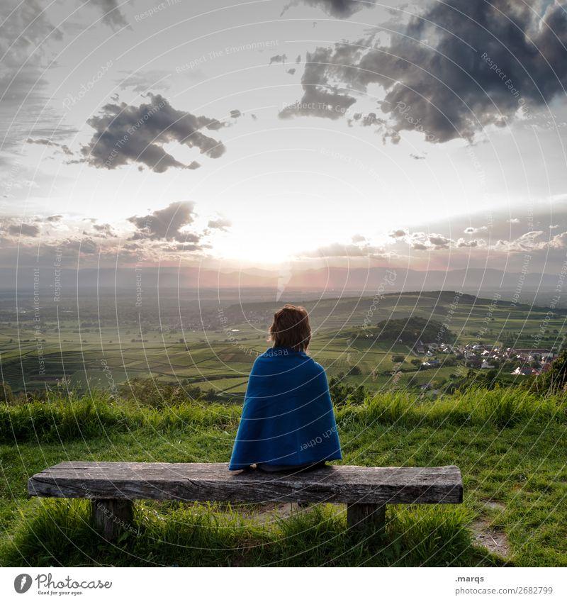 Abendprogramm Ferien & Urlaub & Reisen Tourismus Mensch feminin Junge Frau Jugendliche 1 Natur Landschaft Himmel Wolken Sommer Schönes Wetter Wein Wiese Hügel