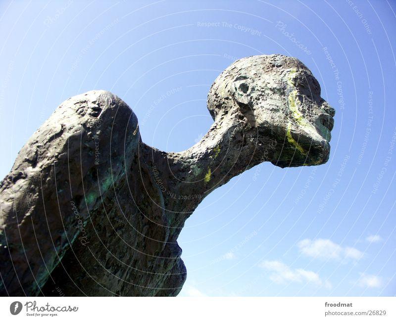 Kopf hoch, Junge... Himmel Wolken Farbe Bewegung Kunst Dinge Skulptur Mecklenburg-Vorpommern aufstrebend Wustrow