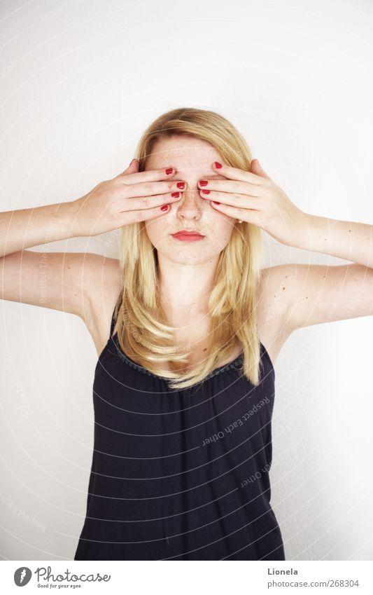Blind feminin Junge Frau Jugendliche Kopf 1 Mensch 18-30 Jahre Erwachsene blond langhaarig einzigartig blau Gefühle Stimmung Vertrauen schön Farbfoto