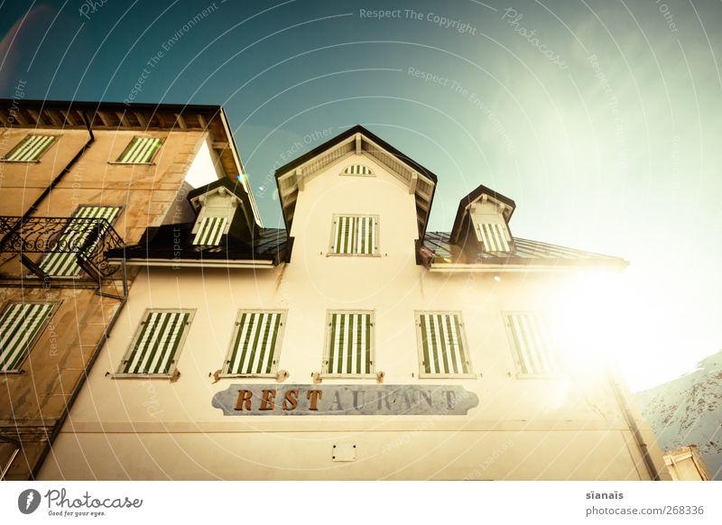 rest alt Haus Fenster Wand Berge u. Gebirge Architektur Mauer Gebäude Fassade geschlossen Tourismus Dach Alpen Schweiz Balkon Typographie