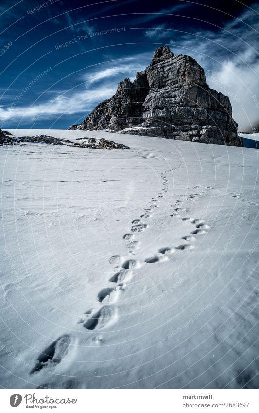 Fußspuren zum Dirndln aus der Dachsteingruppe Schnee Winterurlaub Berge u. Gebirge wandern Klettern Bergsteigen Natur Landschaft Schönes Wetter Felsen Alpen
