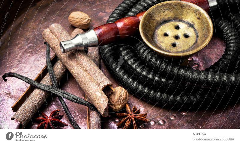 Nargile mit Gewürzen Wasserpfeifenrauch Zimt baden Vanille Tabak Rauch shisha Erholung Osten arabisch Röhren Türkisch Aroma Wasserpfeifen-Lounge Freizeit
