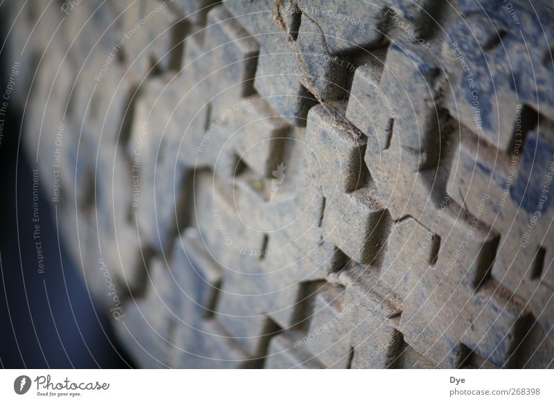 profiliert Ausflug Abenteuer Technik & Technologie Autofahren Wege & Pfade Fahrzeug Aggression eckig Reifen Reifenprofil Strukturen & Formen Noppe Winterreifen