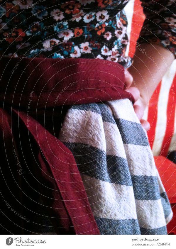 Marktleben III - Käsemädchen Mensch Frau Jugendliche Erwachsene feminin Körper Arbeit & Erwerbstätigkeit außergewöhnlich Junge Frau ästhetisch kaufen retro Freundlichkeit Beruf stark Handel