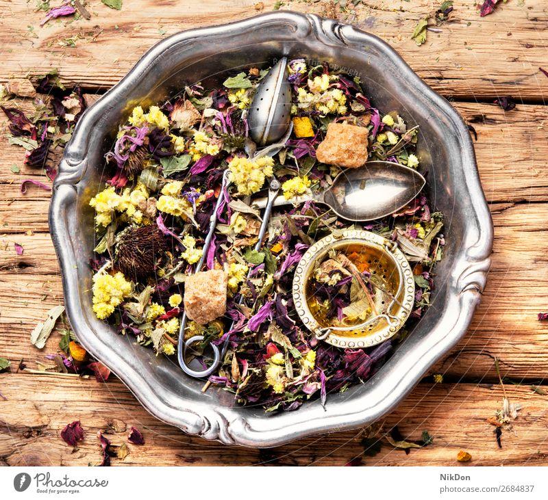 Blütenkräutertee Tee Blatt trinken Kraut Gesundheit natürlich trocknen Kräuterbuch rustikal Antioxidans Pflanze Blume aromatisch Löffel Haufen Aroma Blütenblatt