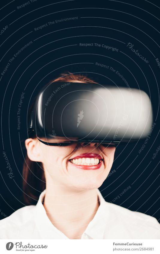 Woman with VR glasses Lifestyle Freizeit & Hobby feminin 1 Mensch 18-30 Jahre Jugendliche Erwachsene 30-45 Jahre Surrealismus Virtual reality virtuell wirklich