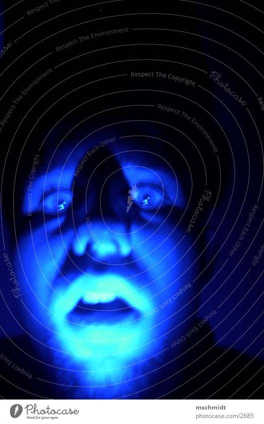 MAN BIN ICH BLAU! Licht Club me face Gesicht blau Schatten hell