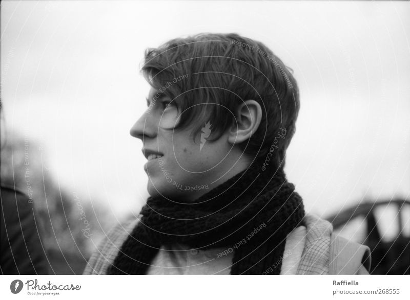 Taubheit maskulin Junger Mann Jugendliche Kopf Haare & Frisuren Gesicht Ohr Nase 1 Mensch 18-30 Jahre Erwachsene Jacke Schal brünett beobachten Kommunizieren