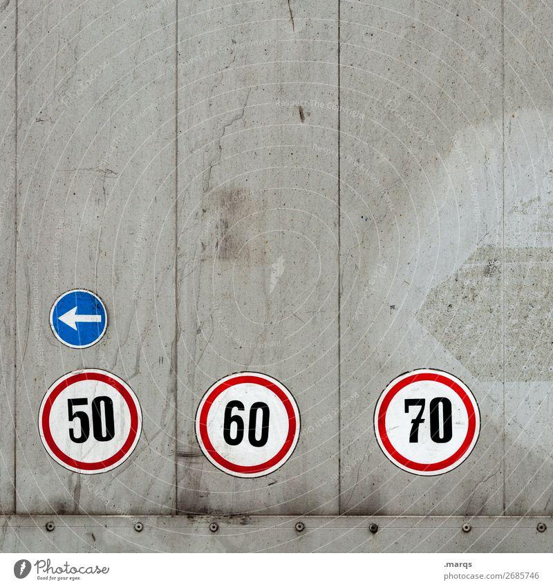 40 Verkehr Verkehrsmittel Güterverkehr & Logistik Lastwagen Zeichen Schriftzeichen Hinweisschild Warnschild Pfeil Verkehrsschild Geschwindigkeit einfach