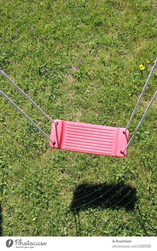 Frühlingslüfterl Leben Spielen Ferien & Urlaub & Reisen Freiheit Sonne Garten Natur Park Wiese Erholung hängen schaukeln frei Fröhlichkeit grün rot ruhig