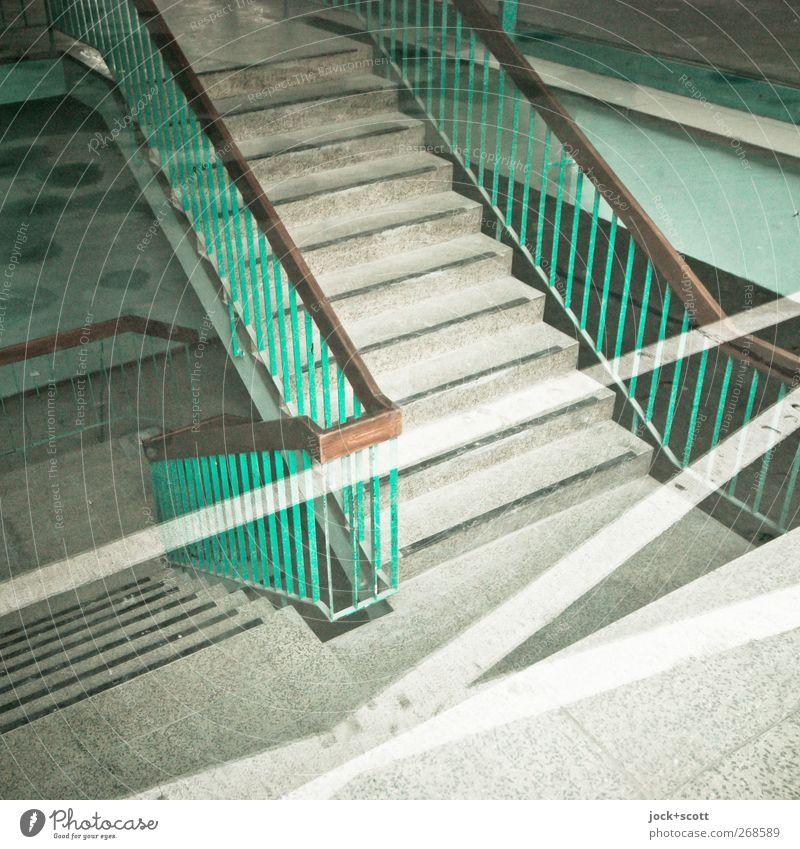 Treppe ohne Witz Bürogebäude Treppengeländer Treppenhaus Stein Kreuz Linie Streifen eckig hell Sauberkeit trist unten grün Stimmung Toleranz Ordnungsliebe