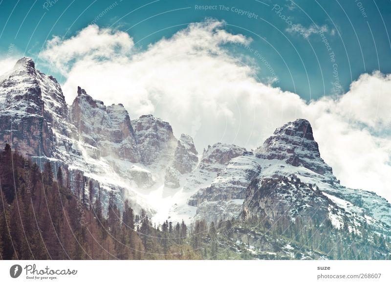 Massiv Himmel Natur blau Ferien & Urlaub & Reisen Wolken Wald Umwelt Landschaft Berge u. Gebirge Frühling Felsen Klima außergewöhnlich groß Urelemente Macht