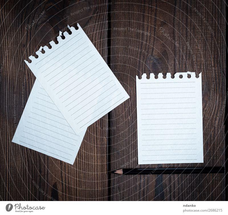 leere weiße Blätter in einer aus dem Notizblock gerissenen Linie Tisch Schule Büro Business Papier Schreibstift Holz schreiben Sauberkeit braun Idee Beitrag