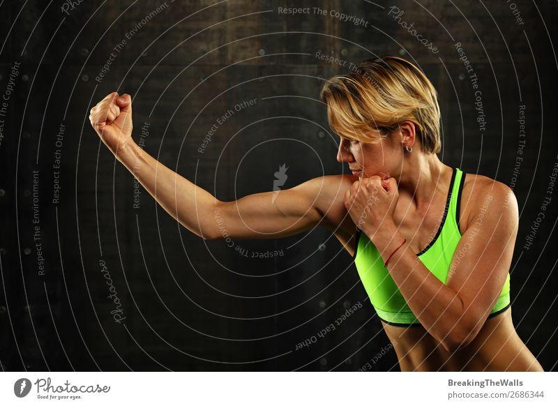Seitenprofilansicht des Boxsports junger athletischer Frauen Sport Kampfsport Sportler Junge Frau Jugendliche Erwachsene Arme Hand 1 Mensch 30-45 Jahre blond
