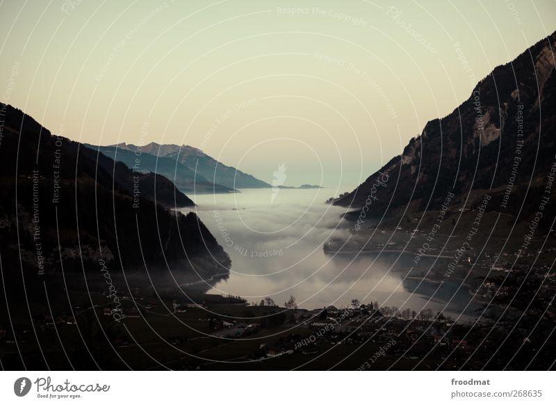 let there be rock Natur ruhig Umwelt Landschaft Berge u. Gebirge Küste Nebel ästhetisch Macht Romantik Alpen Schönes Wetter Aussicht Kitsch Unendlichkeit Seeufer