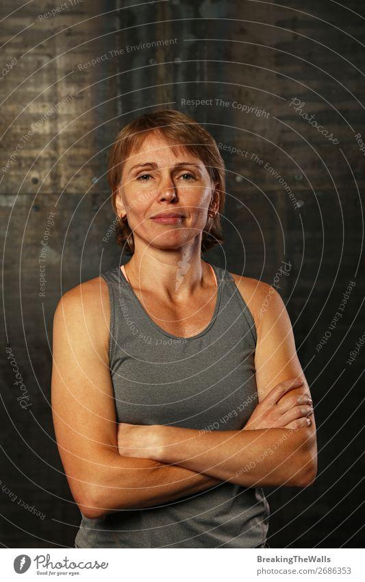 Nahaufnahme des Porträts einer athletischen Frau mittleren Alters Lifestyle Sport Fitness Sport-Training Leichtathletik Sportler Erwachsene 1 Mensch blond