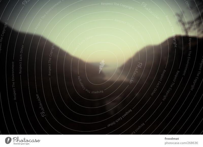 post rock Umwelt Natur Landschaft Wolkenloser Himmel Sonnenaufgang Sonnenuntergang Schönes Wetter Nebel Alpen Berge u. Gebirge Seeufer Romantik schön ästhetisch