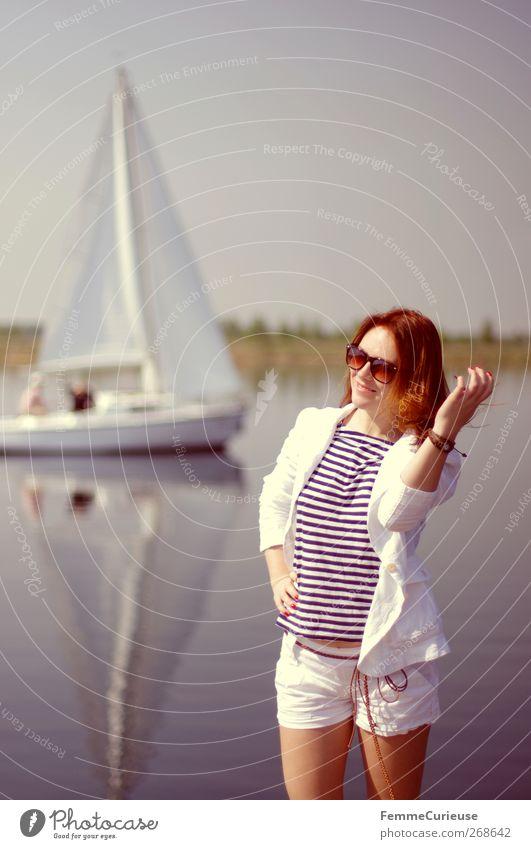 Die Segel sind gesetzt! Junge Frau Jugendliche Erwachsene 1 Mensch 18-30 Jahre Abenteuer Bewegung Erholung Gelassenheit Idylle Natur Tourismus Segeln Segelboot