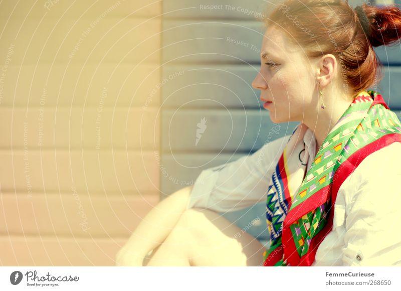 Having a break. feminin Junge Frau Jugendliche Erwachsene Kopf 1 Mensch 18-30 Jahre Erholung Hoffnung Idylle einzigartig träumen Seide Tuch Schal rothaarig