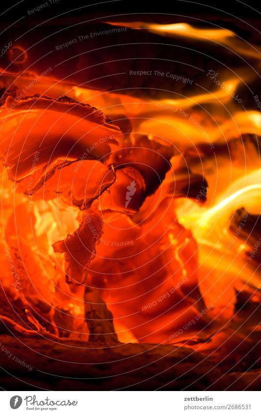 Feuer heizen Glut Brand brennen Brennstoff Kohlendioxid Flamme fossil Heizung heiß Wärme Holz Herd & Backofen Ofenheizung verbrannt Brennholz Altbau Kachelofen