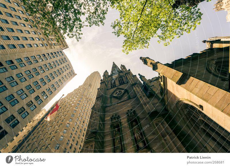 Trinity Church Ferien & Urlaub & Reisen Stadt Ferne gelb Architektur Freiheit Gebäude Stimmung hoch Ausflug Tourismus Kirche Hochhaus ästhetisch Perspektive Netzwerk