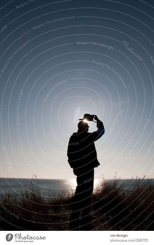 Grüß Gott Mensch Mann Natur Ferien & Urlaub & Reisen Sonne Sommer Meer Strand Erwachsene Erholung Landschaft Gras Küste Freizeit & Hobby maskulin Schönes Wetter