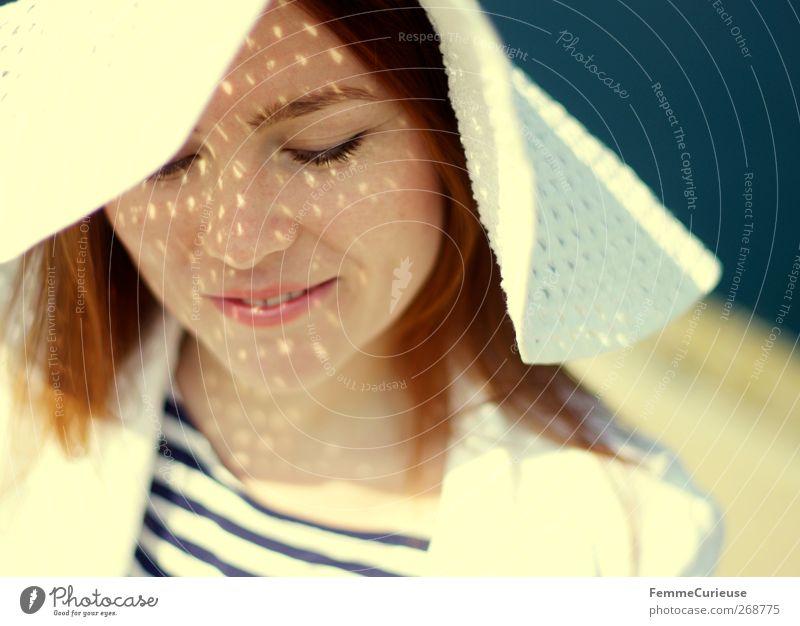 Lieblingsbild. Mensch Frau Jugendliche weiß schön Meer Sommer Strand ruhig Gesicht Erwachsene Erholung feminin Kopf Haare & Frisuren Stil