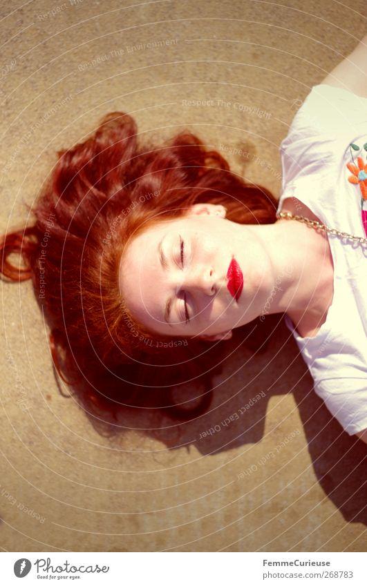 Readhead. feminin Junge Frau Jugendliche Erwachsene Kopf Haare & Frisuren Gesicht Mund Lippen 1 Mensch 18-30 Jahre Zufriedenheit einzigartig elegant Erholung