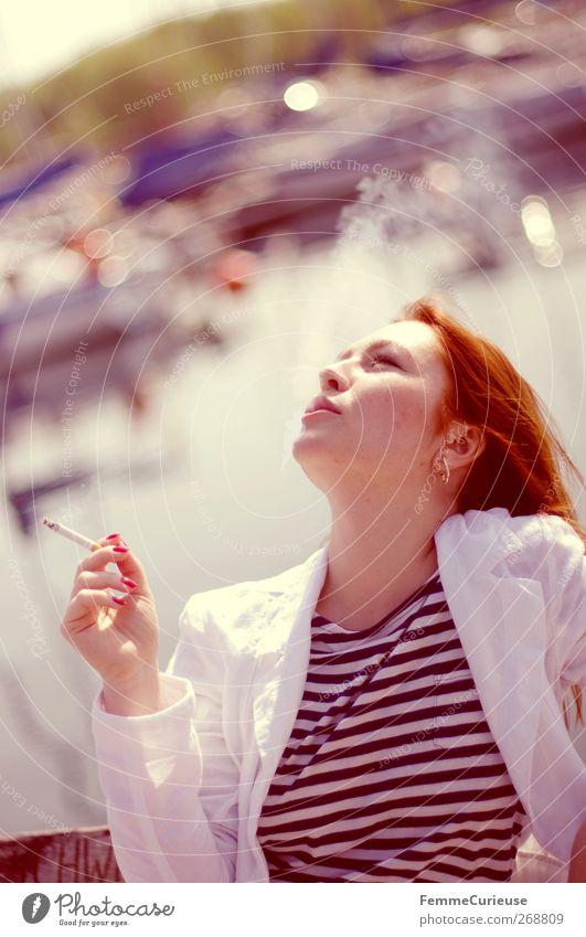 Taking a cigarette break II. Mensch Frau Jugendliche Hand weiß Meer Strand Erwachsene Erholung feminin Kopf Wasserfahrzeug Junge Frau 18-30 Jahre Pause Bank