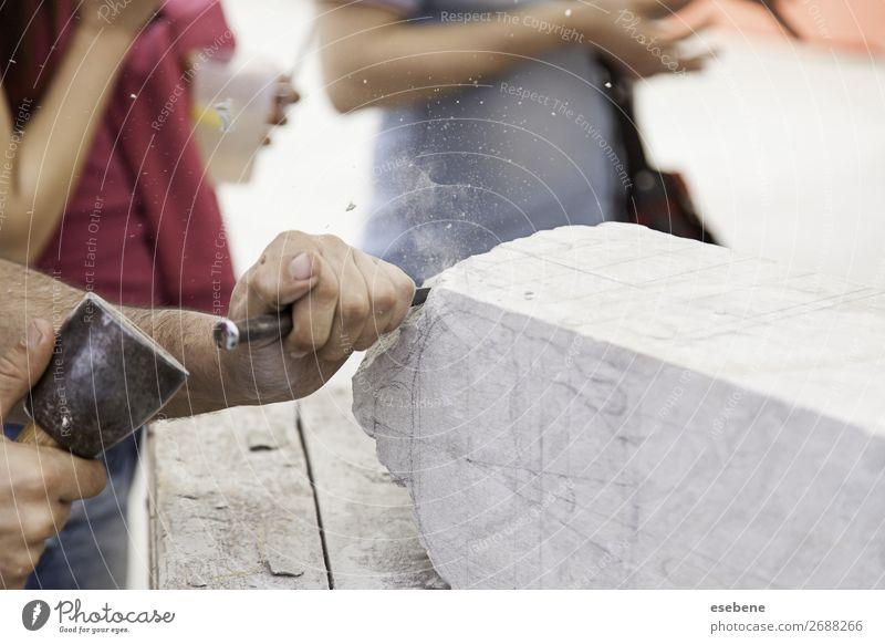 Steinschneiden kaufen Arbeit & Erwerbstätigkeit Beruf Handwerk Business Werkzeug Hammer Mensch Mann Erwachsene Kunst Kreativität Tradition Schnitzereien Beitel