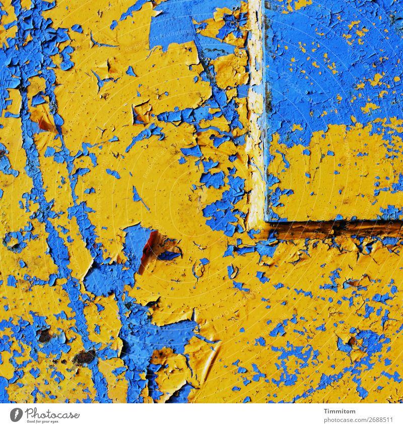 Guten Morgen! Maschine Technik & Technologie Metall Linie ästhetisch blau gelb Gefühle grell Kratzer Lack abblättern Farbfoto Außenaufnahme Nahaufnahme