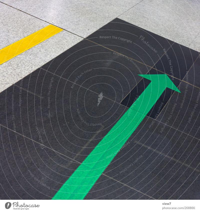 Upload Verkehr Stein Beton Zeichen Hinweisschild Warnschild Verkehrszeichen Linie Pfeil Streifen authentisch frisch modern neu mehrfarbig gelb grün Beginn