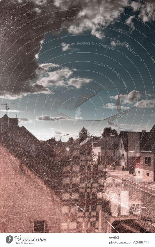 Dahin Himmel Haus Wolken ruhig Fenster Straße Wand Gebäude Deutschland Mauer Fassade Horizont verrückt kaputt Dach Dorf