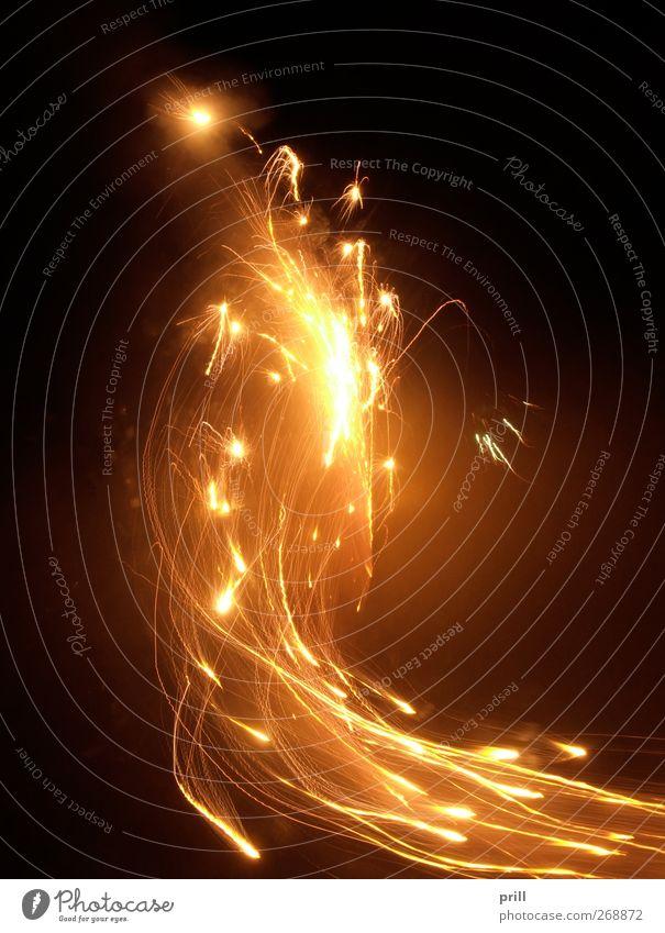 dynamic pyrotechnics Wärme hell Feste & Feiern Design leuchten Stern (Symbol) heiß Silvester u. Neujahr Rauch Veranstaltung Feuerwerk Flamme Desaster Respekt