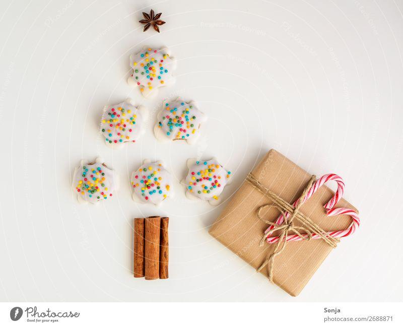 Weihnachten - Bunte Kekse in der Form eines Tannenbaums Lebensmittel Teigwaren Backwaren Ernährung Feste & Feiern Weihnachten & Advent Zeichen außergewöhnlich