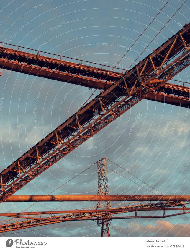 Förderbänder Himmel blau rot Sommer ruhig Umwelt Wärme Architektur Sand Luft Stimmung Erde groß Energiewirtschaft frei