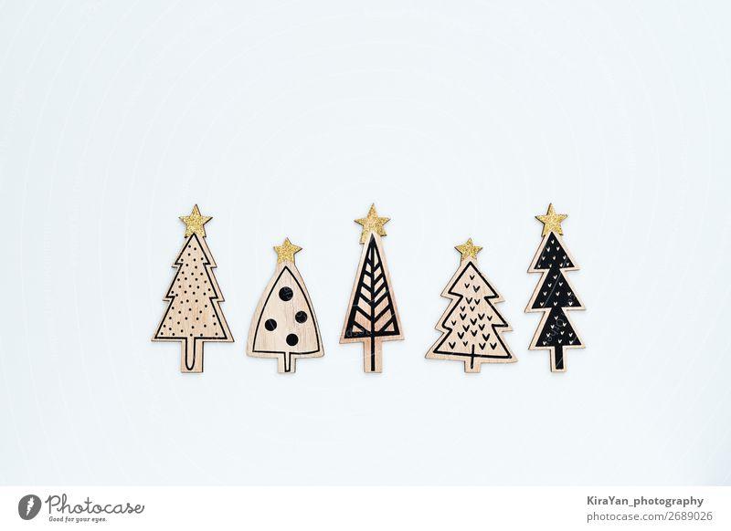 Fünf aus Holz geschnitzte und bemalte Weihnachtsbäume Stil Freude Glück Winter Dekoration & Verzierung Feste & Feiern Weihnachten & Advent Silvester u. Neujahr