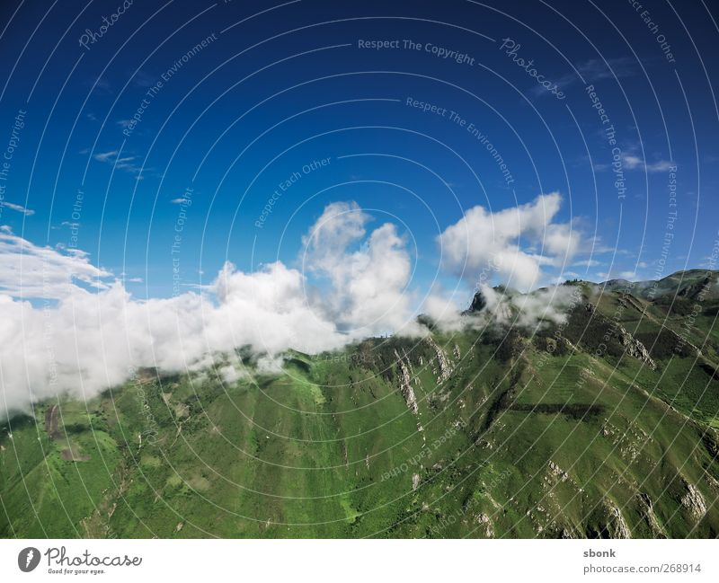 Cajam > Trujilo Umwelt Natur Landschaft Urelemente Himmel Wolken Hügel Felsen Berge u. Gebirge Ferien & Urlaub & Reisen Südamerika Peru Anden Farbfoto