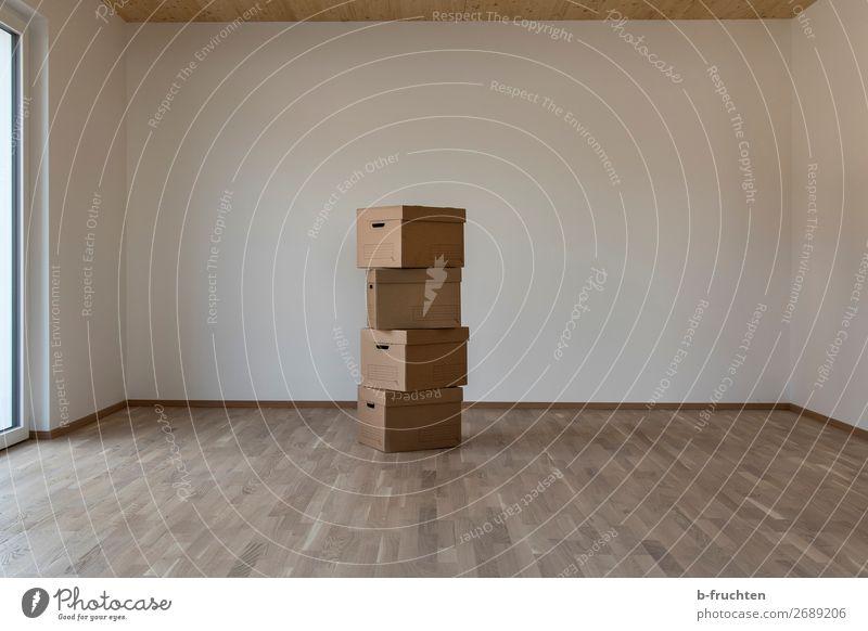 Umzugkartons Einsamkeit dunkel Innenarchitektur Arbeit & Erwerbstätigkeit gehen Wohnung Raum Ordnung leer Wandel & Veränderung Vergangenheit Sauberkeit