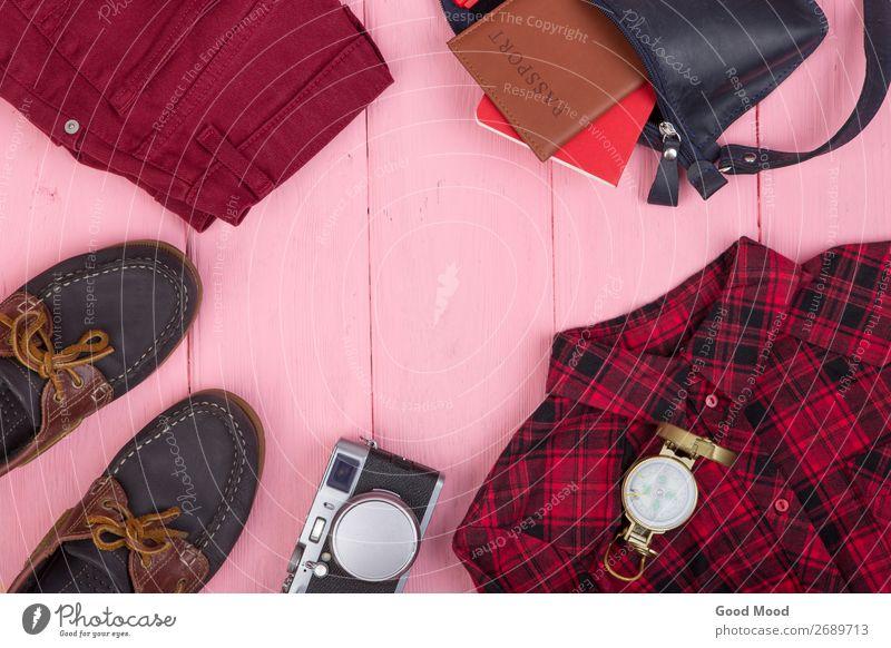 Tasche, Jeans, Reisepass, Kamera, Kompass, Schuhe, Hemd, Hemd Lifestyle Ferien & Urlaub & Reisen Tourismus Ausflug Tisch Business Fotokamera Mode Bekleidung