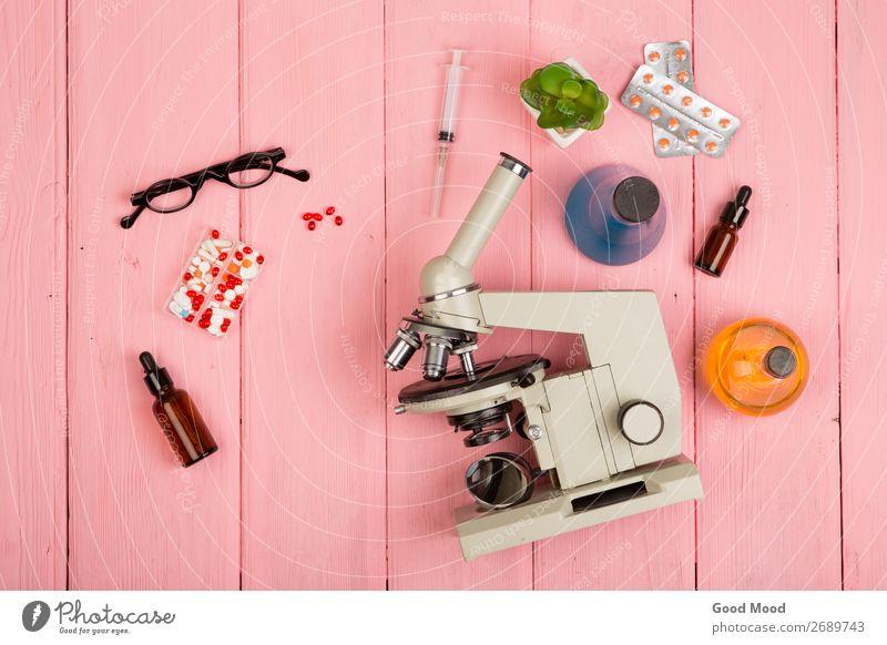 Mikroskop, Pillen, Spritze, Brille, Chemikalienflaschen, etc. Flasche Gesundheitswesen Medikament Schreibtisch Wissenschaften Labor Prüfung & Examen Arzt