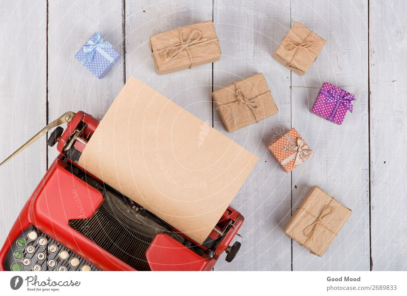 rote Schreibmaschine mit leeren Bastelpapieren, Geschenkboxen Feste & Feiern Erntedankfest Halloween Weihnachten & Advent Geburtstag Business Seil