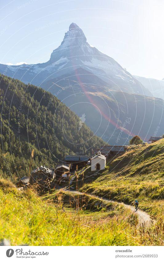 #765 Schweiz Matterhorn Wahrzeichen Berge u. Gebirge Dorf wandern Mountainbike Trail Wege & Pfade Sonnenuntergang weiches Licht Gipfel Kirche Wiese friedlich