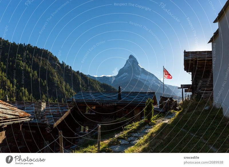 # 768 Schweiz Matterhorn Wahrzeichen Berge u. Gebirge Dorf wandern Mountainbike Trail Wege & Pfade Sonnenuntergang weiches Licht Gipfel Schneebedeckte Gipfel